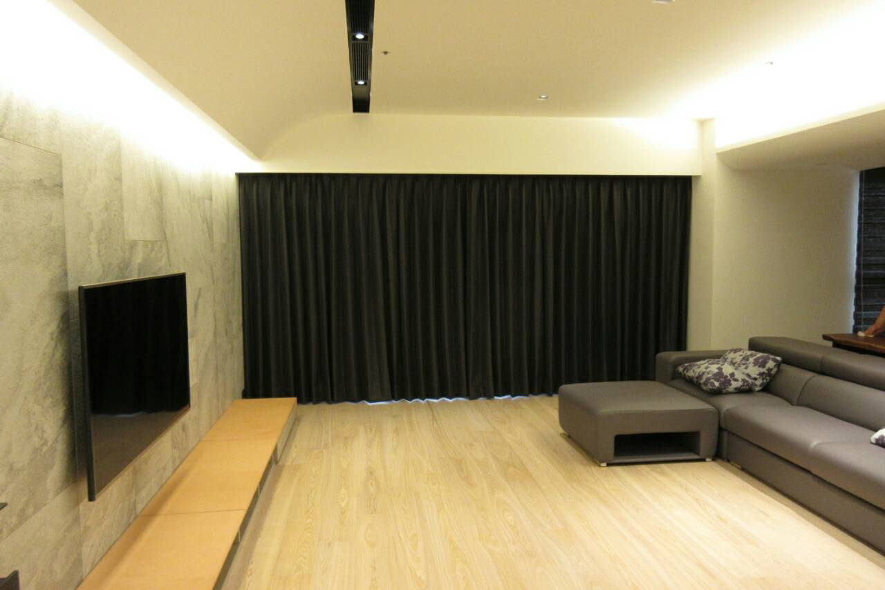 落地窗壁纸黑色电视墙效果图-落地窗壁纸